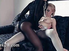 Pantyhose xxx videos - pussy licking lesbian