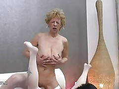 Old e Young xxx videos - lésbica esfregando bichano